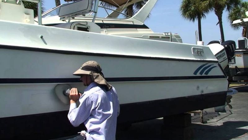 How to Wax a Boat