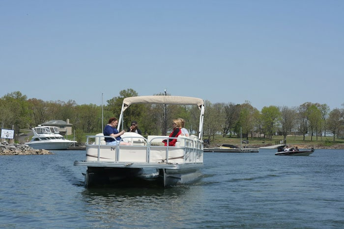 Pontoon-Boating