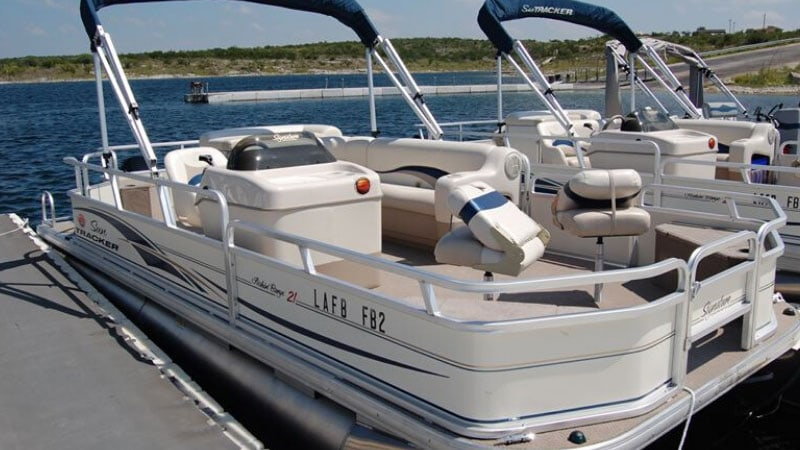 What to Know before Renting a Pontoon Boat