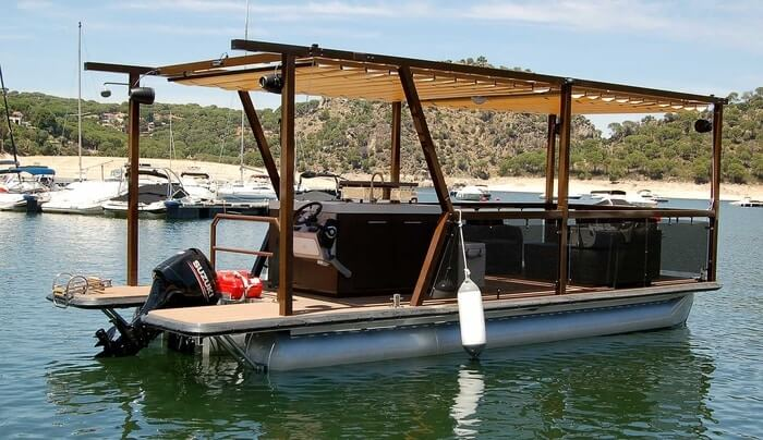 How to protect pontoon boat